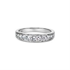 Graduated Brilliant Cut Diamond Infinity Ring