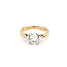 Oval Diamond Engagement Ring With Pear Shape Diamond Shoulders 1ct